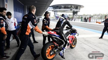 """MotoGP: Garages with """"benches"""": reserves instead of regulars in tests"""