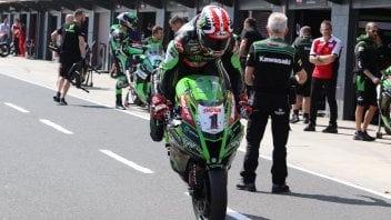 SBK: Phillip 'Poker' Island: Rea plays his cards face up, others close to their chest
