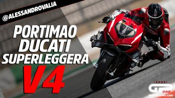 Moto - News: Ducati Panigale Superleggera V4: Valia la spinge al limite a Portimao