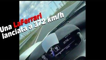 Auto - News: L'Autobahn è deserta ed una LaFerrari vola ad oltre 370 km/h