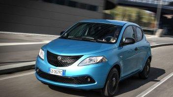Auto - News: Nuova Lancia Ypsilon Ibrida, prezzi e caratteristiche