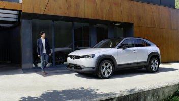 Auto - News: MX-30, la Mazda completamente elettrica è pronta