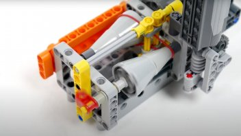 Auto - News: A lezione di tecnica con LEGO: come funziona una trasmissione CVT