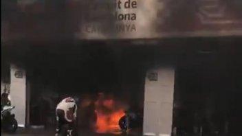 News: Incendio nei box del circuito di Barcellona: a fuoco due moto