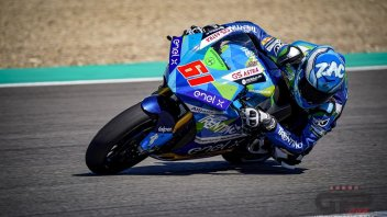 MotoE: Fire in the night at Jerez: Zaccone's motorcycle goes up in flames