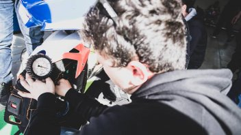 SBK: Jerez: 2R Racing team caught without masks: out of the paddock!
