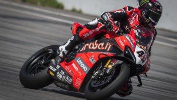 SBK: Il rombo in partenza della Ducati V4R con Scott Redding a Barcellona