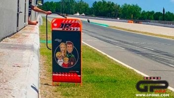 SBK: On the straight with Rea and his whole family, emoticons at 300 km/h!
