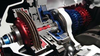 Moto - News: La trasmissione automatica DCT di Honda compie 10 anni