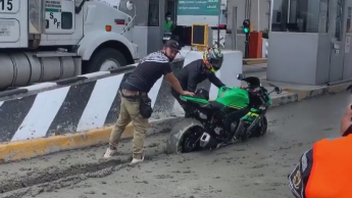 Moto - News: Things not to do: get into the just poured concrete!