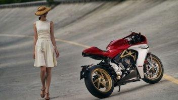 Moto - News: MV Agusta Superveloce 800: classico combinato al moderno. Lo stile...
