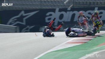 Moto2: Fuoco e commissari in pista, Martin comanda una FP3 folle
