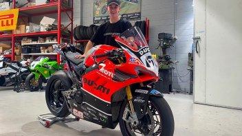 SBK: Sogno Mondiale: Oli batte Troy Bayliss di 10 anni sulla Ducati V4
