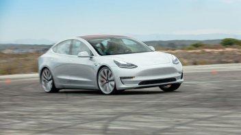 Auto - News: Tesla Model 3: in Cina non supera un test di frenata con rilevazione pedoni