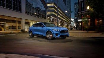Auto - News: Ford Mustang Mach-E GT: da 0-100 km/h in 3,7 secondi