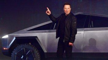 Auto - News: Tesla: titolo alle stelle, Musk sempre più ricco, ma le vendite?