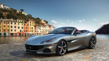 """Auto - News: Ferrari Portofino M: l'aria tra i capelli, """"passa"""" da 620 CV e un po' di Roma"""