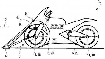 Moto - News: BMW: innovativo brevetto, il controllo di trazione che 'legge' la strada