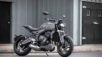 Moto - News: Triumph Trident: verso il debutto dell'inedita media tre cilindri