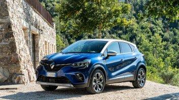 Auto - News: Renault Captur E-Tech Plug-In Hybrid ora ha la spina - caratteristiche e foto