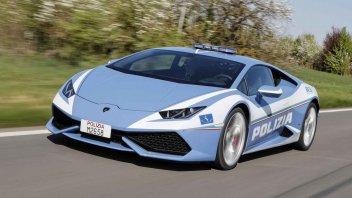 Auto - News: La Polizia salva una vita grazie ad una Lamborghini Huracàn