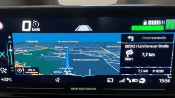 Moto - News: BMW R 1250 RT 2021: Euro5, un TFT da 10,25 e radar per entrare nel futuro