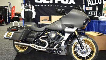 MotoAmerica: Ben Bostrom and Herrin at Laguna in the Drag Specialties King of the Baggers race