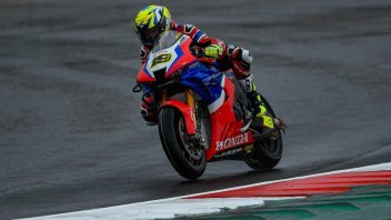 SBK: Bautista struggling with rear grip problems and the cold conditions at Magny-Cours