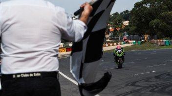 SBK: Estoril: Mahias si prende la rivincita in Gara 2, 2° Locatelli, 3° De Rosa