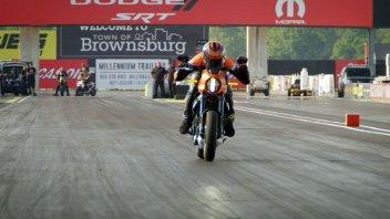 Moto - News: La provocazione Harley Davidson: una Livewire contro le migliori dragster