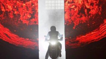 Moto - News: BMW Motorrad: giovedì 19 novembre altre due novità 2021