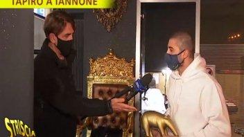 MotoGP: Striscia la notizia consegna il Tapiro d'Oro ad Andrea Iannone