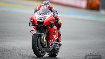 MotoGP: Miller il migliore sul bagnato di Valencia in FP1. Morbidelli 2°, Dovizioso 9°