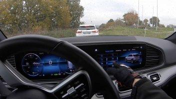 Auto - News: Mercedes-Benz EQ Emotion: il futuro della Stella, è elettrificato