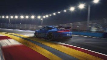 Auto - News: Porsche: in test il carburante sintetico che non dovrebbe inquinare