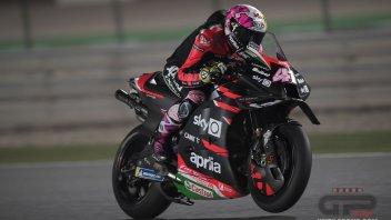 MotoGP: Espargarò porta l'Aprilia in vetta a Losail: Bradl 2° davanti a Mir. Rossi 14°