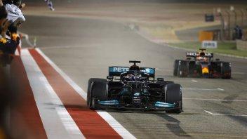 MotoGP: È trionfo F1 in tv! Hamilton batte Verstappen e doppia la MotoGP