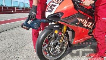 SBK: Scott Redding e la Ducati frenano come Miller e Bagnaia in MotoGP