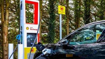 Auto - News: Shell: in arrivo ben 2,5 milioni di colonnine di ricarica