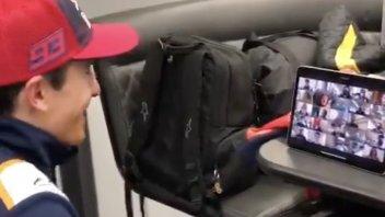 MotoGP: VIDEO - I giornalisti applaudono il ritorno di Marc Marquez su Zoom