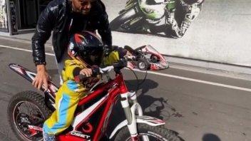 SBK: Il figlio di Kenan Sofuoglu già in moto a soli 2 anni!