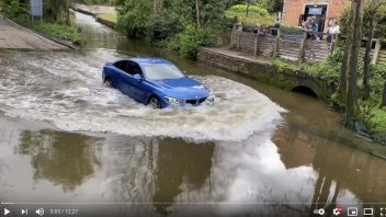 Auto - News: Attraversare in auto un canale pieno d'acqua: cosa si rischia?