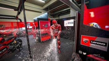 MotoGP: Miller Vs Ricciardo: continua lo show dello 'shoey': il Prosecco dallo stivale