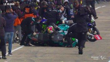 MotoGP: VIDEO - La caduta di Morbidelli nel box a Le Mans: potrà continuare il GP