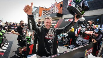 SBK: Rea over the moon to have joined the 100-Club together with Rossi and Agostini