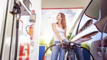 Auto - News: Carburanti: arriva l'estate... aumentano i prezzi