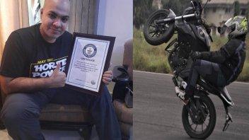 """Moto - News: Oltre mezzo chilometro in impennata senza mani: la """"penna"""" è da record"""
