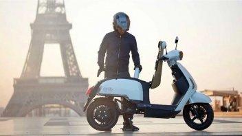 Moto - Scooter: Ma quale e-scooter?! Ecco l'ibrido che fa 400 km con un pieno