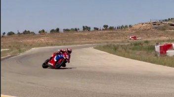 MotoGP: VIDEO - Marc Marquez ad Aragon con una CBR 600: un'estate di traverso