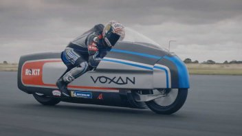 SBK: Max Biaggi e Voxan pronti per il record di velocità elettrico in Francia